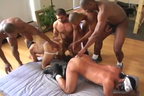 hot dude Interracial 3some