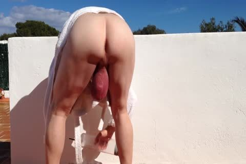 This Is My Biggest Pump Of This Year, From 28/02/2015, I acquire A biggest Ball Sack, And Swinging Outdoor, enjoy The Image I Hope u Like It, And Leave Some Comments , Thanks.