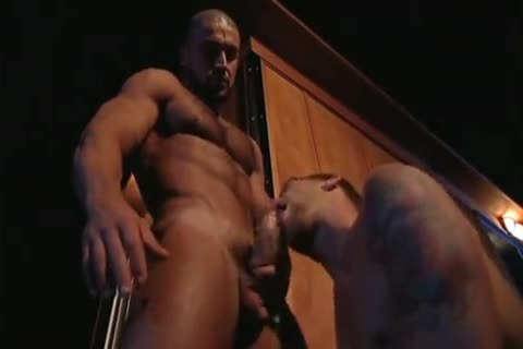 Outdoor bang: Francois Sagat & Braxton Bond - P.O.V.