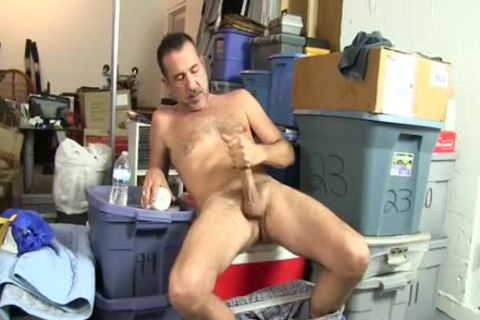 delicious homosexual fellow Uses A Bottle To fuck Himself