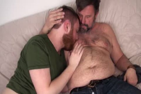 hairy Daddy Chris Mine bangs Colt Cox unprotected