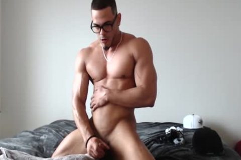 Bulked-Up Muscle guy Strokes His large ramrod