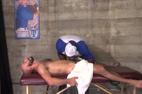 Muscled chap Cums Bbc
