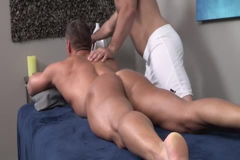 raw Oiled Muscle Rubdown
