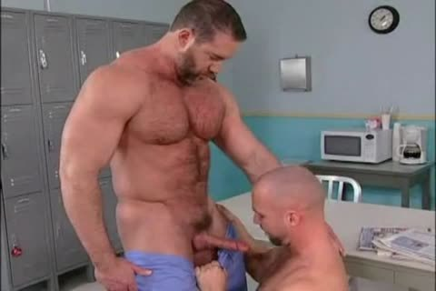 Bo Dixon plows Ty LeBeuf ( Muscle Worship & Muscle plowing )