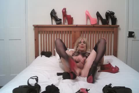 Cd Shows Many extraordinary Heels And Cums