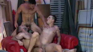 Paranormal - Diego Reyes, Paddy O'Brian ass pound