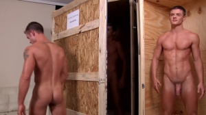 Johnny In A Box 2 - Tyler pleasing & Johnny Rapid 18 Sex