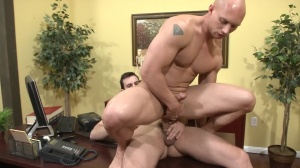 indecent Chiropractor - Phenix Saint with John Magnum butthole Hook up