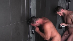 Shower Peepers - handjob Hook up
