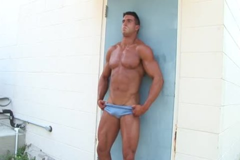 filthy MUSCLE PHOTOSHOOT