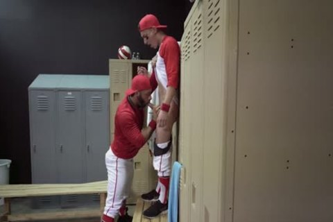Locker Room pounding - Tristan Hunter And Eddy Ceetee