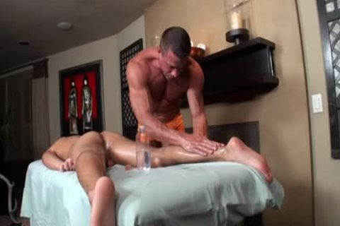 Tyler Saint & Tony Newport - Gentle penis Massage