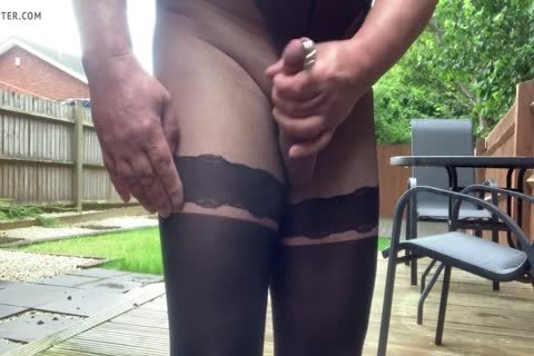 jerking off Outdoor