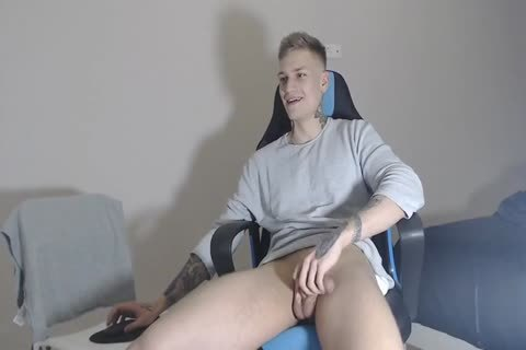 21yo built Lad Alex On Chaturbate discharges his sex goo