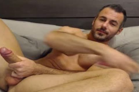 Full Show: stunning Straight Daddy Eats His Creamy Load
