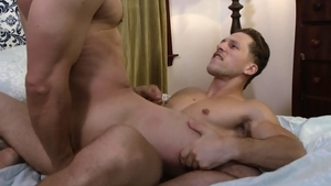 IconMale.com - Muscled Max Sargent rimjob