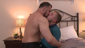 IconMale: College guy Max Sargent loves fucked by Ian Levine