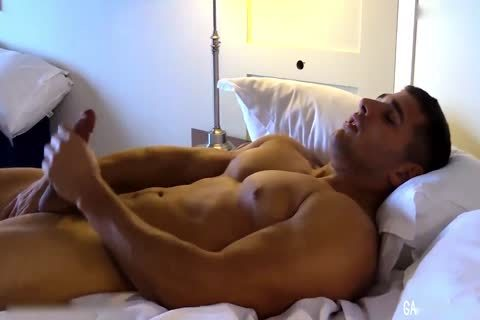 Military Muscle pecker Max Summerfield