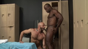 ExtraBigDicks: Aaron Trainer is really pierced gay