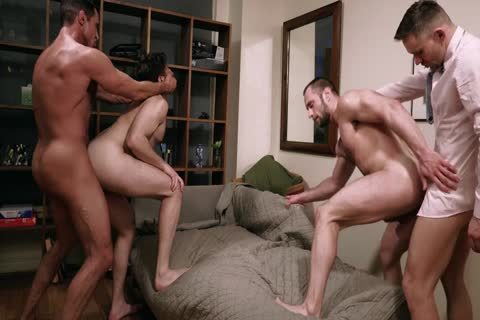 Gentlemen Foursome unprotected