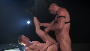 HotHouse - Jock Skyy Knox uncover big penis