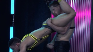 HotHouse: Athletic Roman Todd & Beaux Banks hard stretching