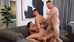 DrillMyHole.com: Nate Grimes & Johnny B handjob indoor