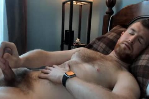 bushy daddy dude Caressing His 10-Pounder In webcam