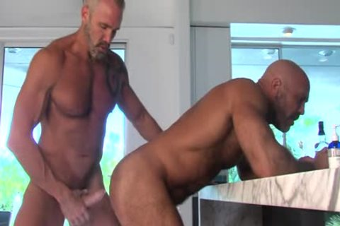 TITANMEN – OUT!: trainer JESSE CUMS OUT TO DALLAS IN LIVE TV – DALLAS STEELE & JESSE JACKMAN