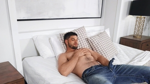 SeanCody: Brown hair american Phillip cum on face in the bed